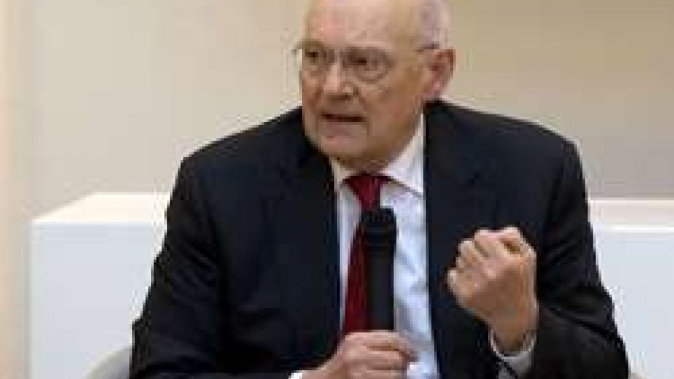 """Stefano ZamagniOpzione prestito FMI, economista Zamagni: """"Se arriva il Fondo Monetario, poi vuole comandare"""""""