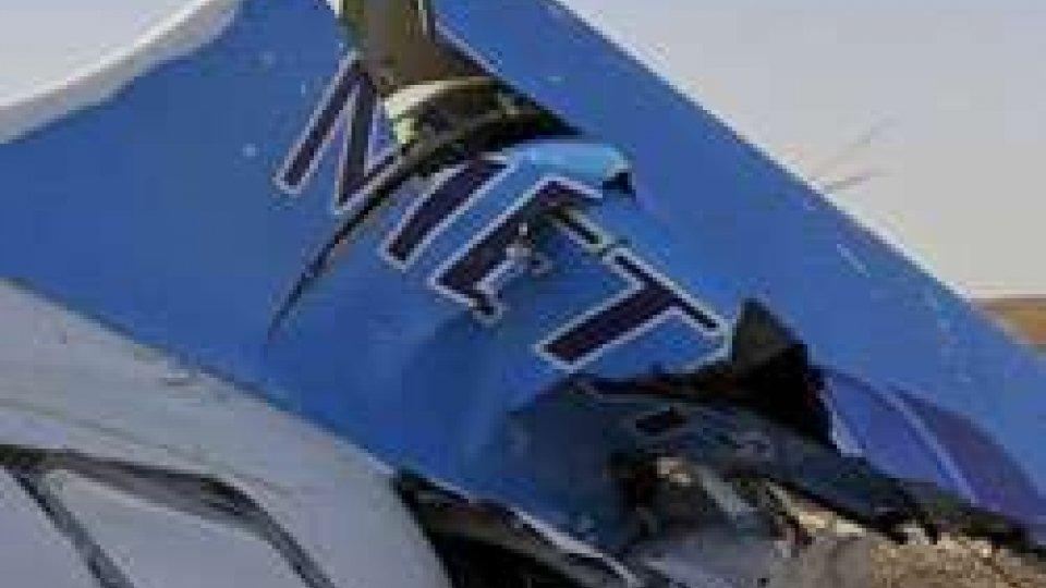 Airbus 321, la Russia sospende i voli per l'Egitto: sempre più concreta l'ipotesi di una bomba