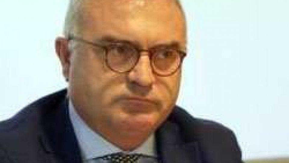 """Palomba: """"Defibrillatori in discoteca"""", la proposta del prefetto di LeccePalomba: """"Defibrillatori in discoteca"""", la proposta del prefetto di Lecce"""
