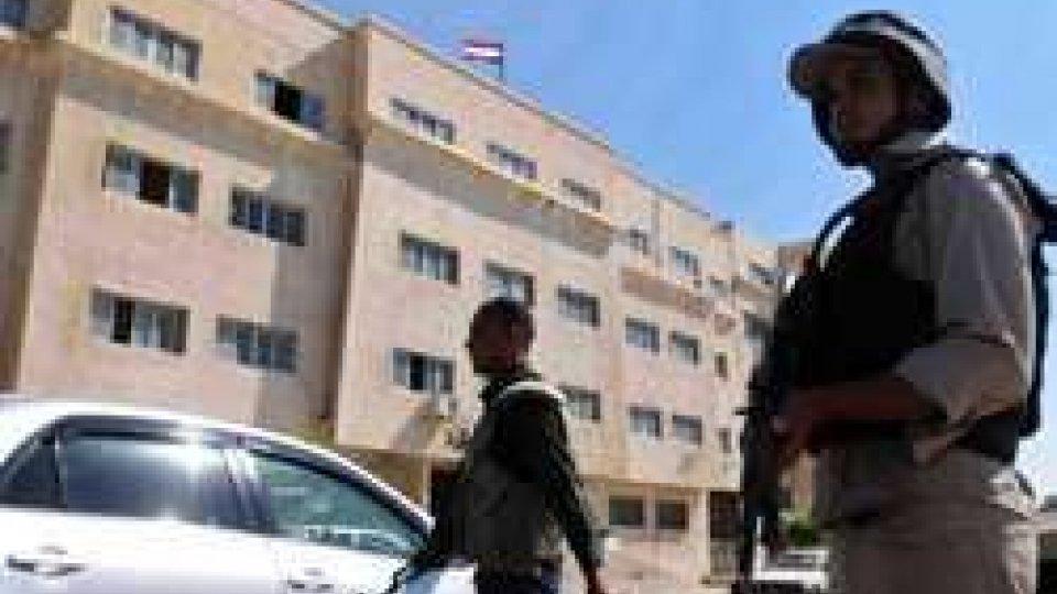 Egitto: auto contro un checkpoint, diverse vittime