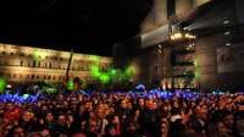 Piazza Grande ricorda Lucio Dalla: sul palco Morandi, Bocelli, Zucchero, Daniele, ZeroPiazza Grande ricorda Lucio Dalla: sul palco Morandi, Bocelli, Zucchero, Daniele, Zero