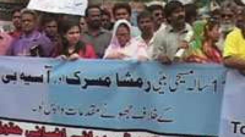 Pakistan: bimba accusata di blasfemia, rinviata udienza cauzione