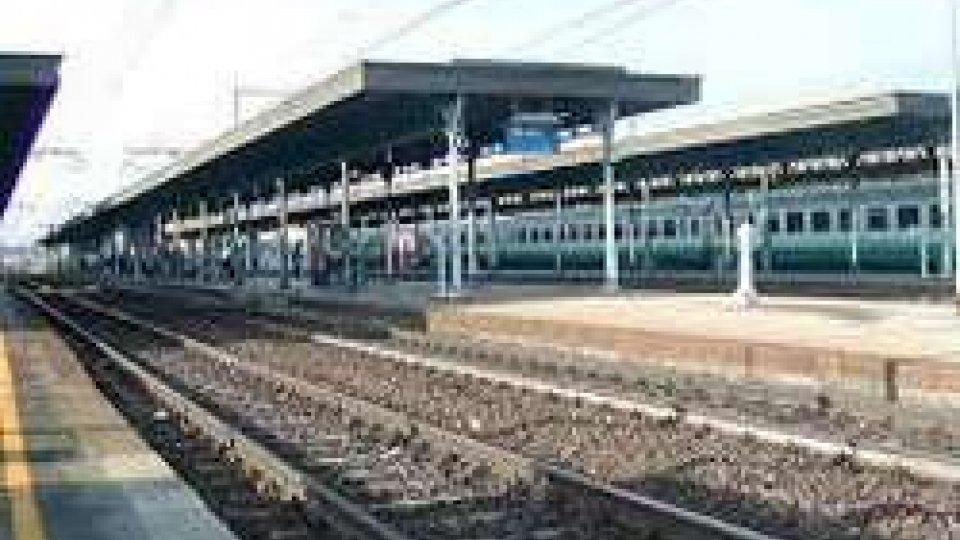 Uomo investito sui binari sulla tratta Rimini-Bologna