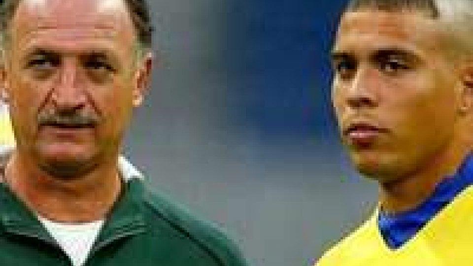 Luis Felipe Scolari in compagnia di Ronaldo al Mondiale 2002.