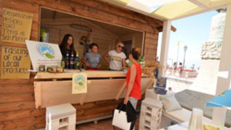 Al via il Salotto del Cantone, l'iniziativa che porta nel cuore del centro storico  le eccellenze gastronomiche del territorio