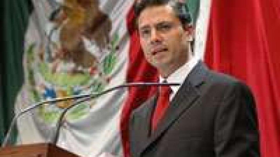 Messico, insediato il nuovo presidente Nieto
