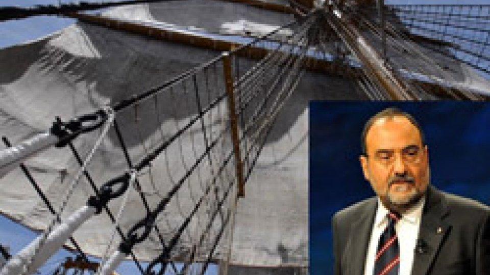 Il Dg Romeo dalla nave VespucciNave Vespucci in procinto di salpare per La Rochelle: diario di bordo del DG Carlo Romeo