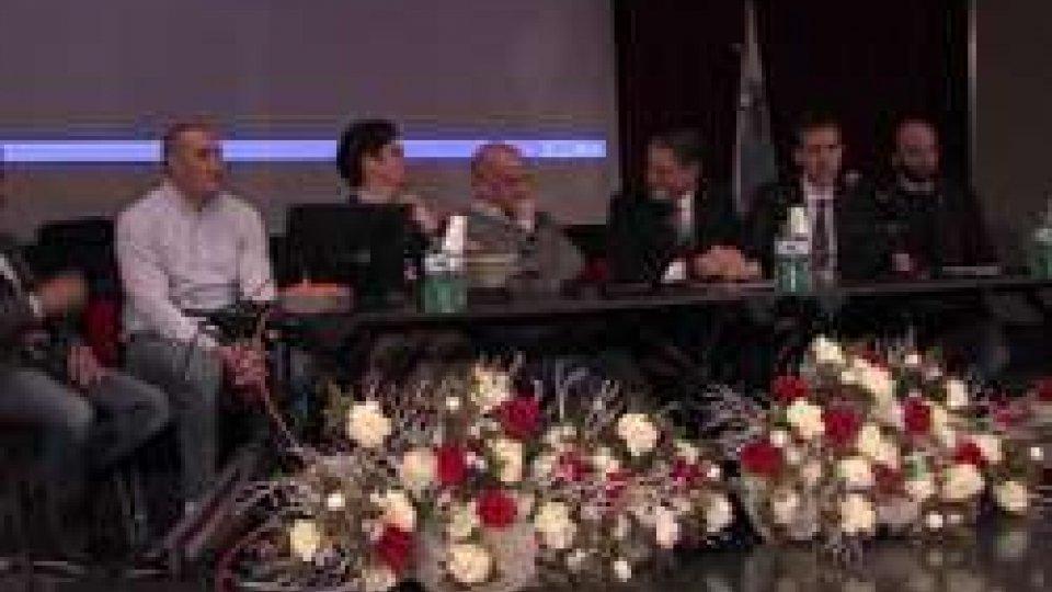 I relatori della serataA Serravalle serata Tlc sulla necessità delle nuove tecnologie per lo sviluppo del Paese