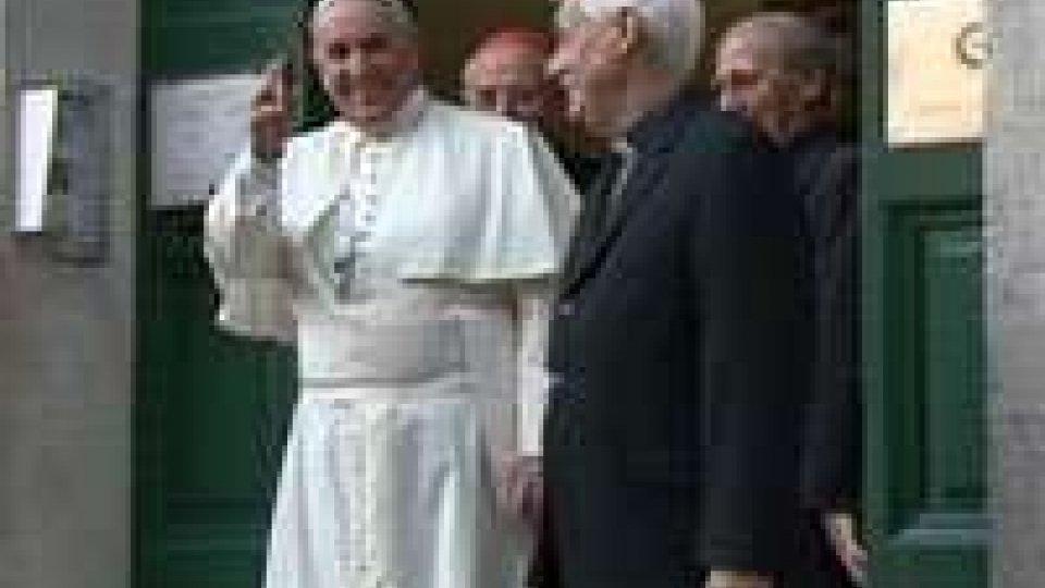 Papa Francesco nella Chiesa del Gesù a Roma celebra i 200 anni dalla rifondazione dell'ordine gesuitaPapa Francesco nella Chiesa del Gesù a Roma celebra i 200 anni dalla rifondazione dell'ordine gesuita