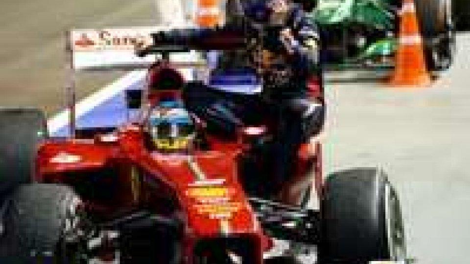 Singapore: Webber portato ai box da Alonso, penalizzato