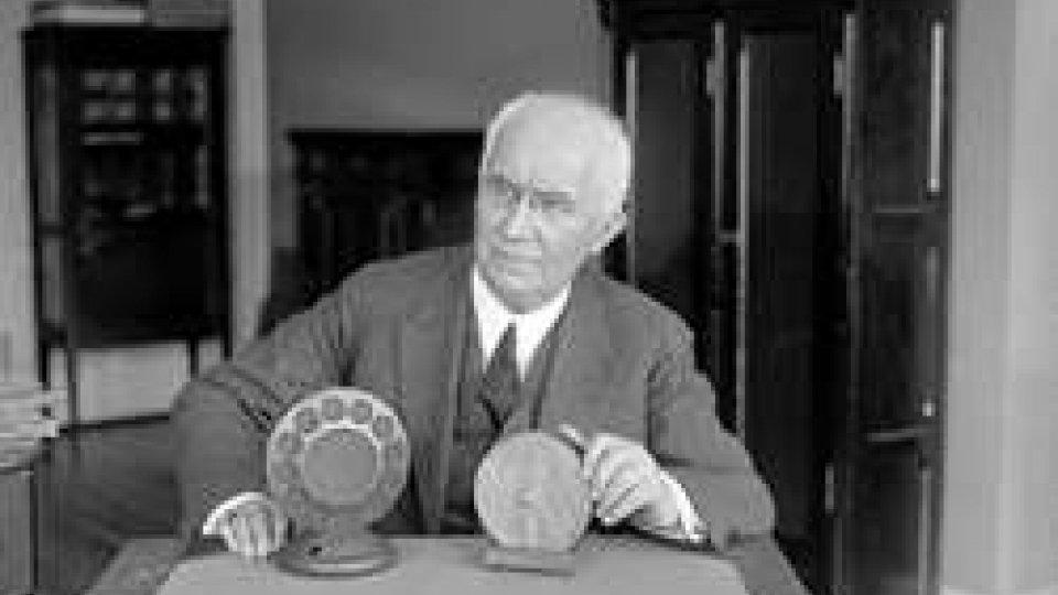 Emile Berliner brevetta il microfono