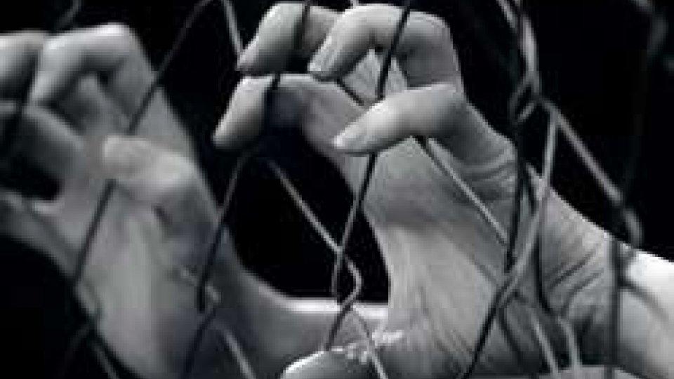 Giornata europea contro la tratta degli esseri umani: è la nuova forma di schiavitùGiornata europea contro la tratta degli esseri umani: è la nuova forma di schiavitù