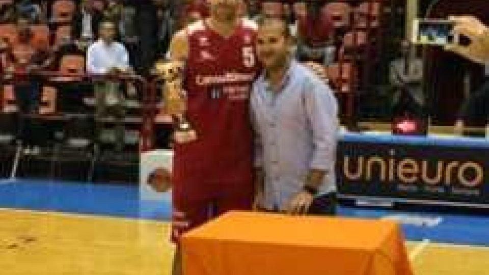 Alla Vl Pesaro il trofeo Errea