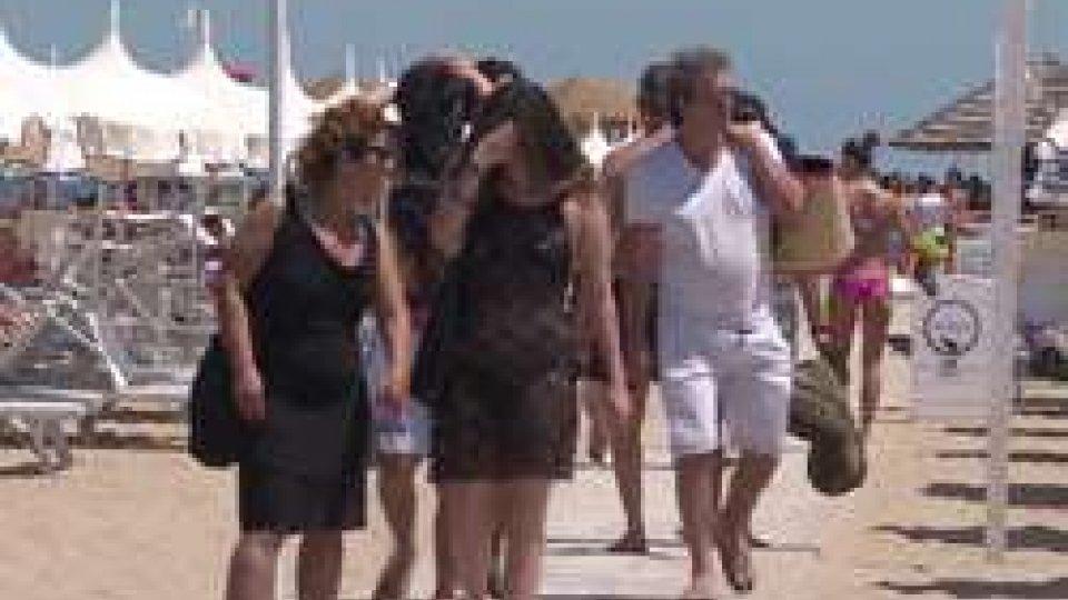 """Turisti a RiminiRimini: """"Turisti come a Ferragosto"""" dice Rinaldis, presidente albergatori"""
