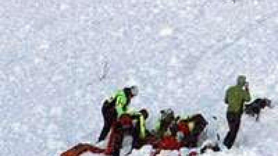 Valanga travolge due scialpinisti: week end nero sui monti