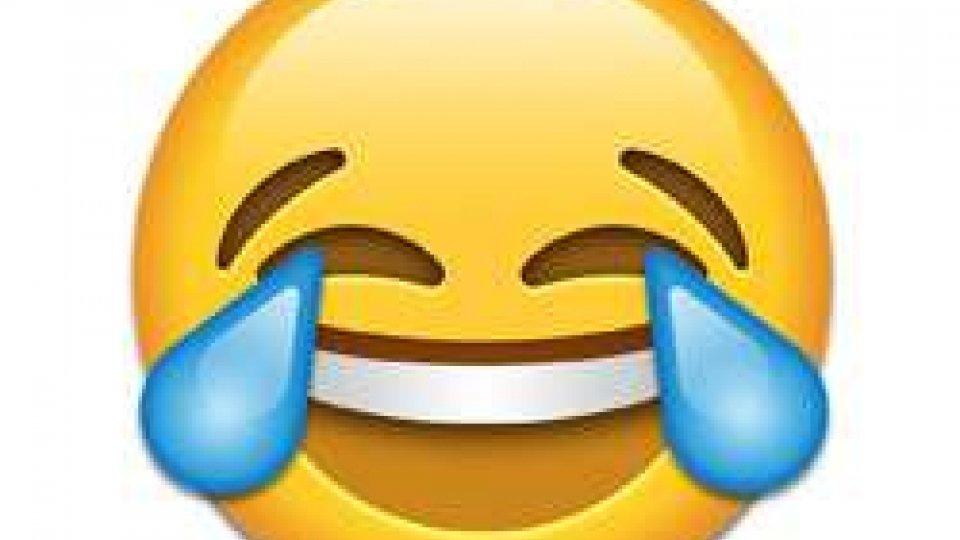 Giornata mondiale delle emoji: la faccina che ride fino alle lacrime è la più utilizzata