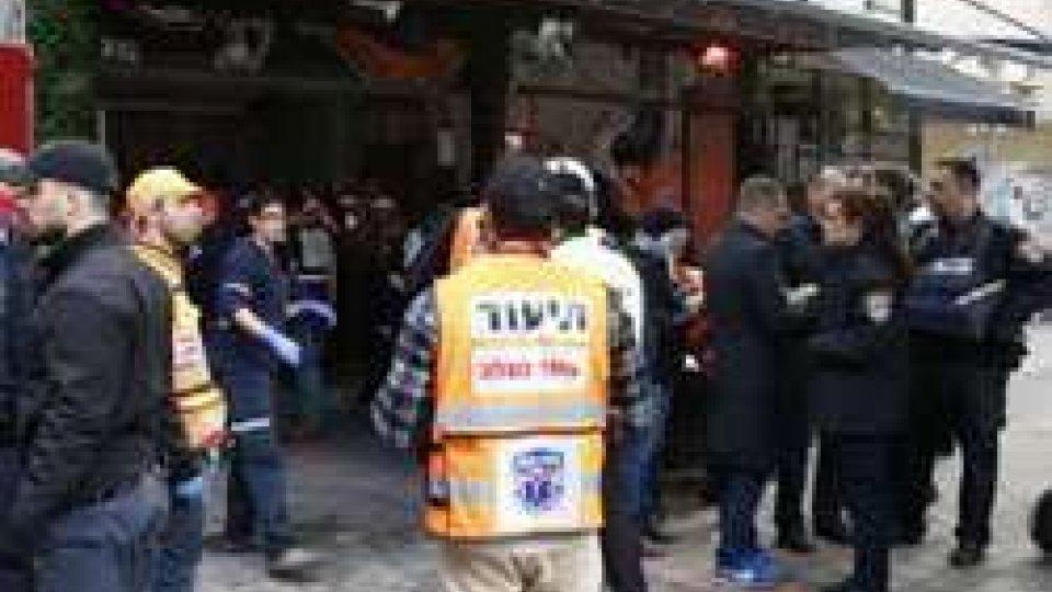 Il pub di Tel Aviv nel quale è avvenuto l'attacco (afp)