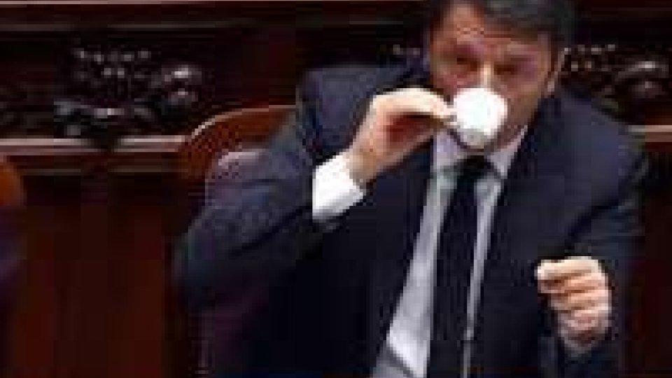 """Naufragio migranti: a Montecitorio un minuto di silenzio per le vittimeConsiglio Ue straordinario sull'emergenza immigrazione, Renzi: """"Risposta politica' concreta e unitaria"""""""