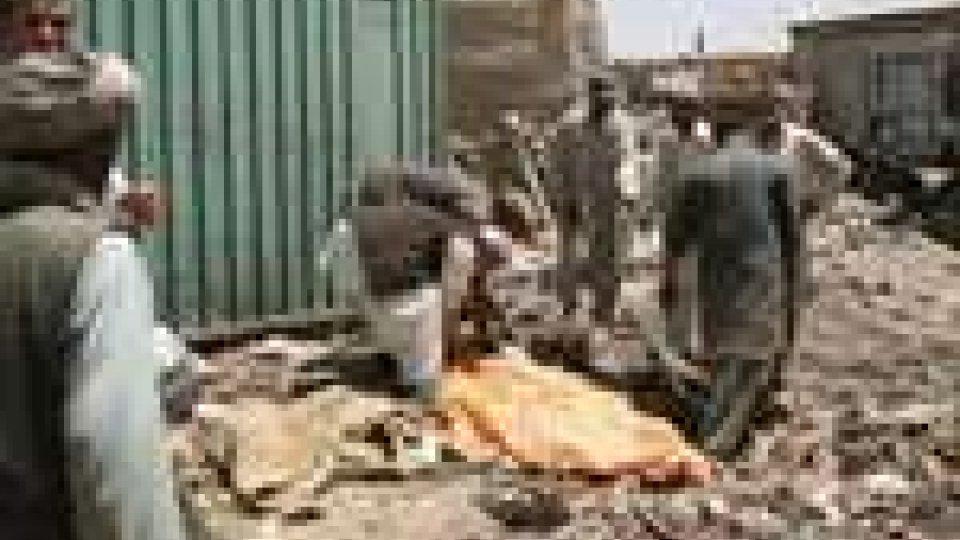 Afghanistan: sei civili morti durante un raid aereo