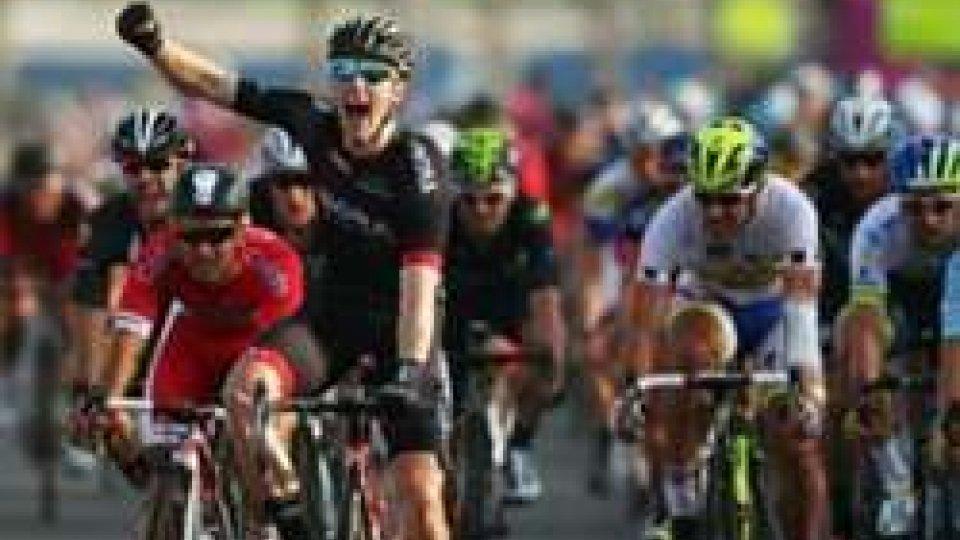 Ciclismo: Bennet in volata conquista la terza tappa della Parigi - Nizza