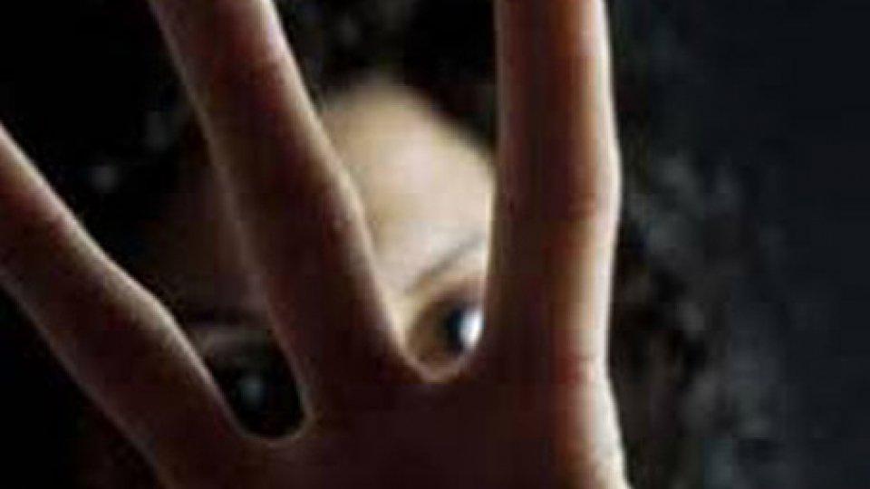 Rimini: rientra a casa ubriaco e minaccia di morte moglie e figli, arrestato 48enne