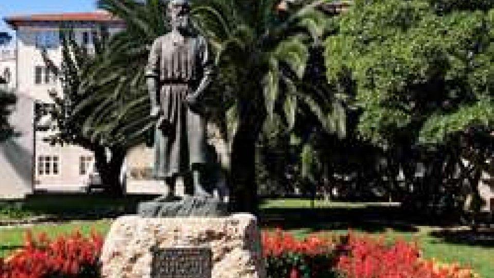 La statua del Santo a Rab