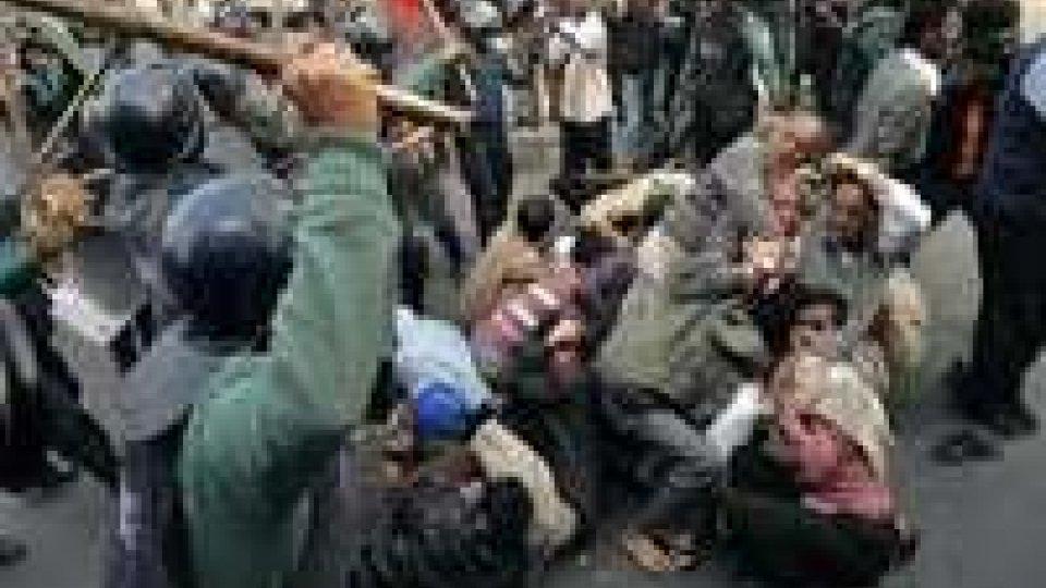 Violenze Bangladesh: 60 morti e 103mila denunciati