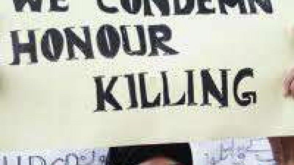 Delitto d'onore in India: ragazza uccisa, compagno decapitato