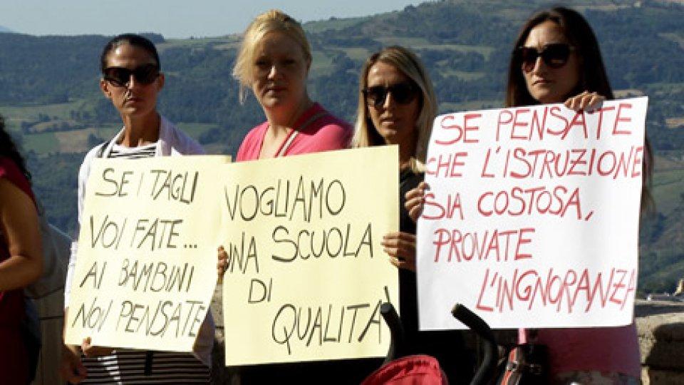 """Protesta degli insegnanti sul PianelloDecreto Scuola, gli insegnanti non arretrano: """"Continua la mobilitazione"""""""