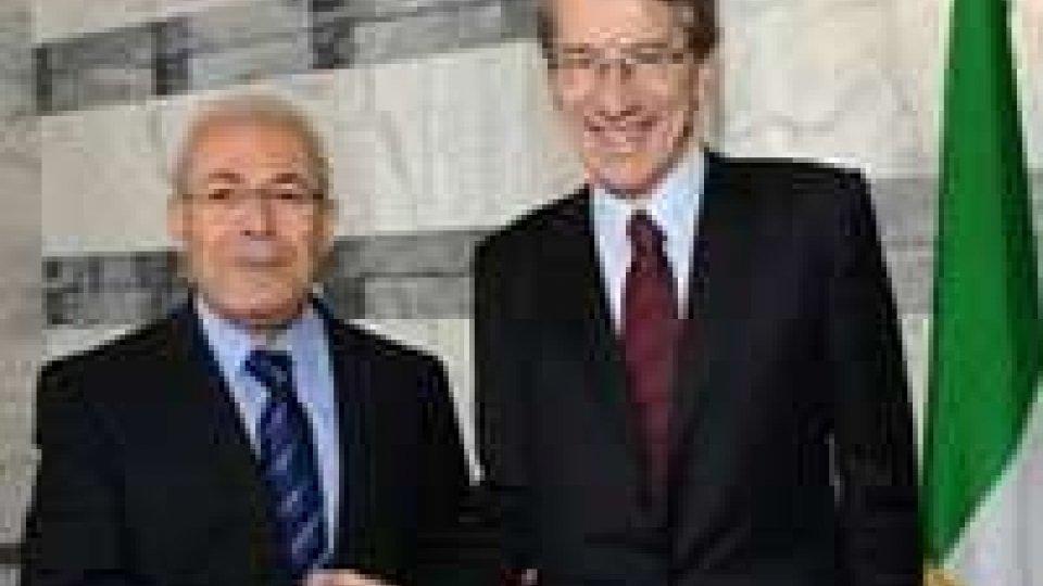 Il ministro Giulio Terzi incontra il presidente del Consiglio nazionale Siriano