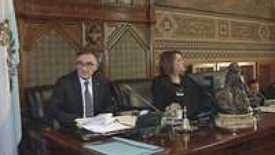 Consiglio: resta accesso il dibattito sul bilancio