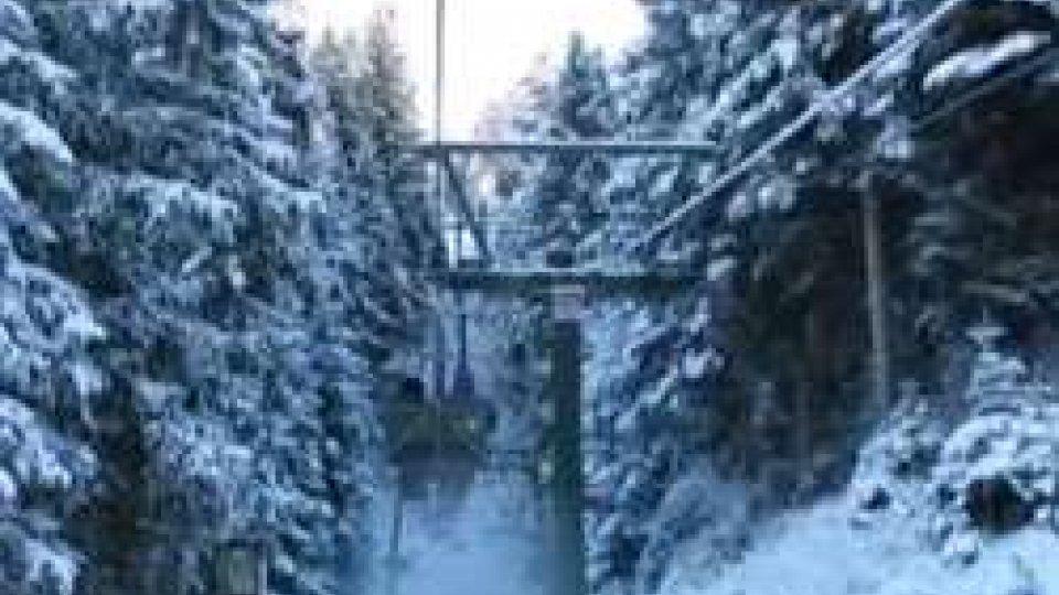E' finalmente arrivata la neve in montagnaE' finalmente arrivata la neve in montagna