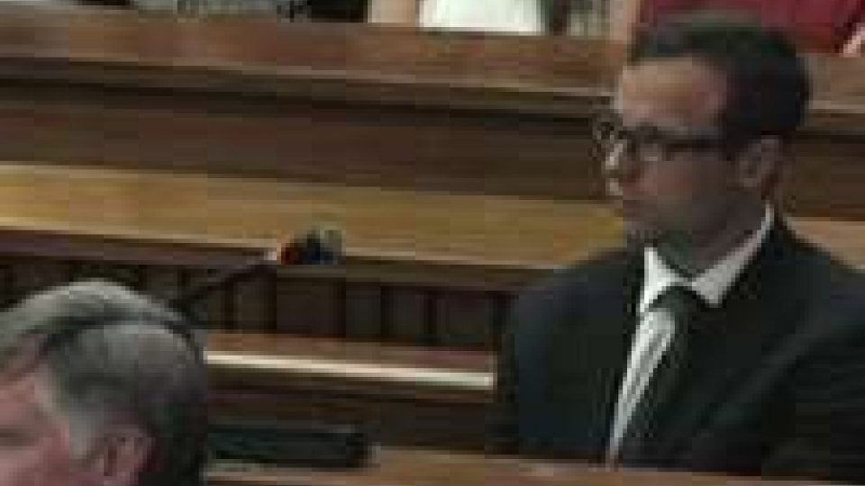 Sudafrica. Processo : Pistorius rischia l' ergastolo.Sudafrica. Processo : Pistorius rischia l' ergastolo.