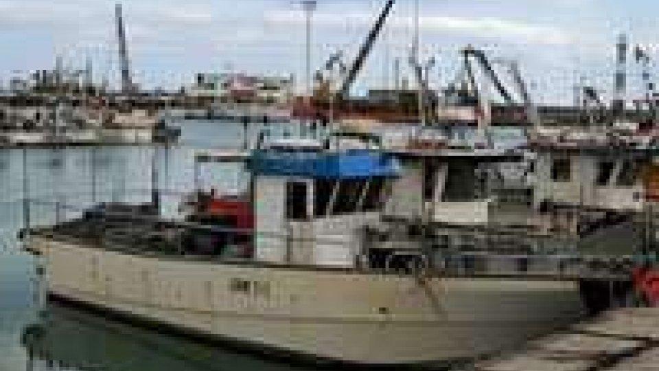 Cattolica: affonda peschereccio ormeggiato al porto. Probabile guasto meccanico