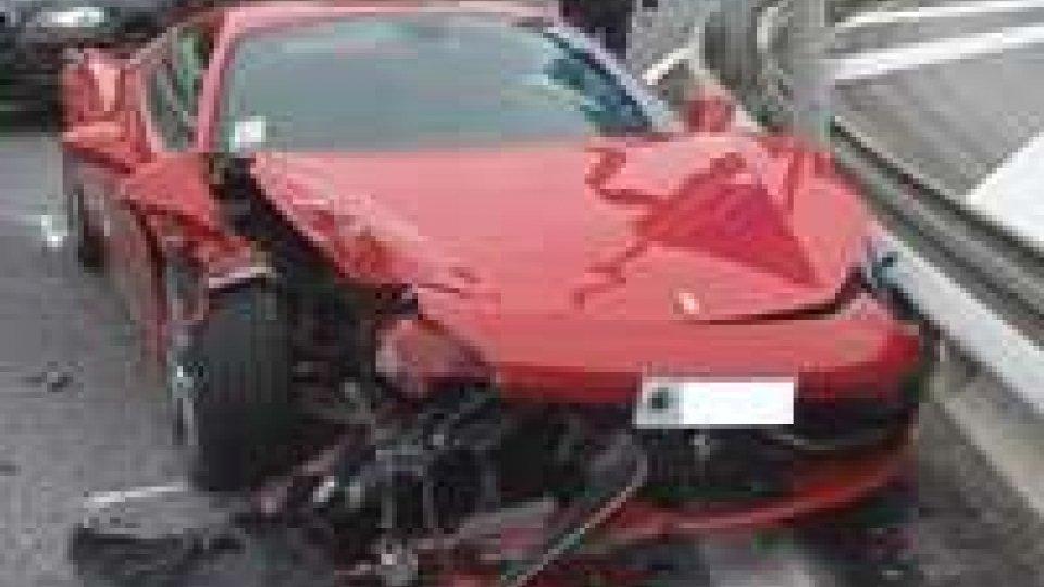 Incidente a Borgo Maggiore: coinvolta una Ferrari