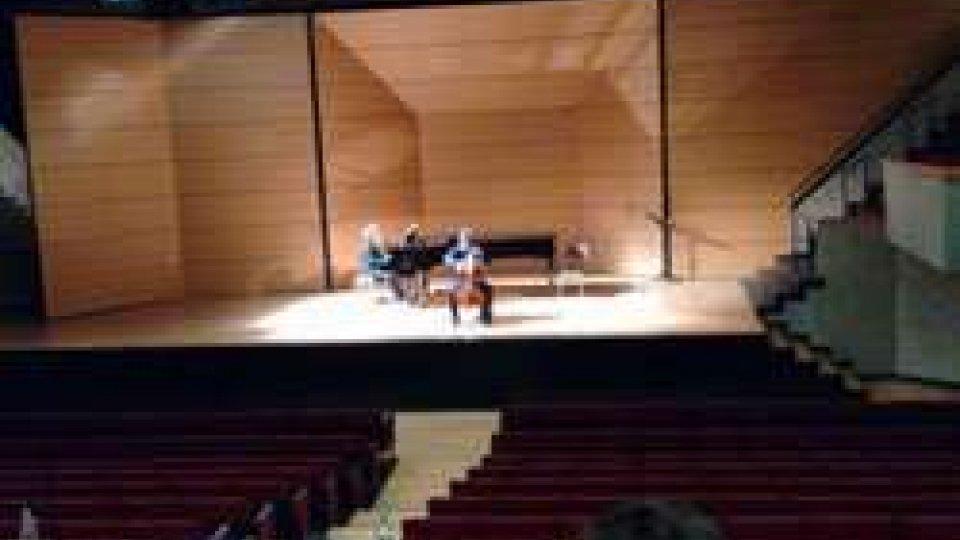 Il giovane violoncellista sammarinese Francesco Stefanelli Primo Premio alla Scala di Milano