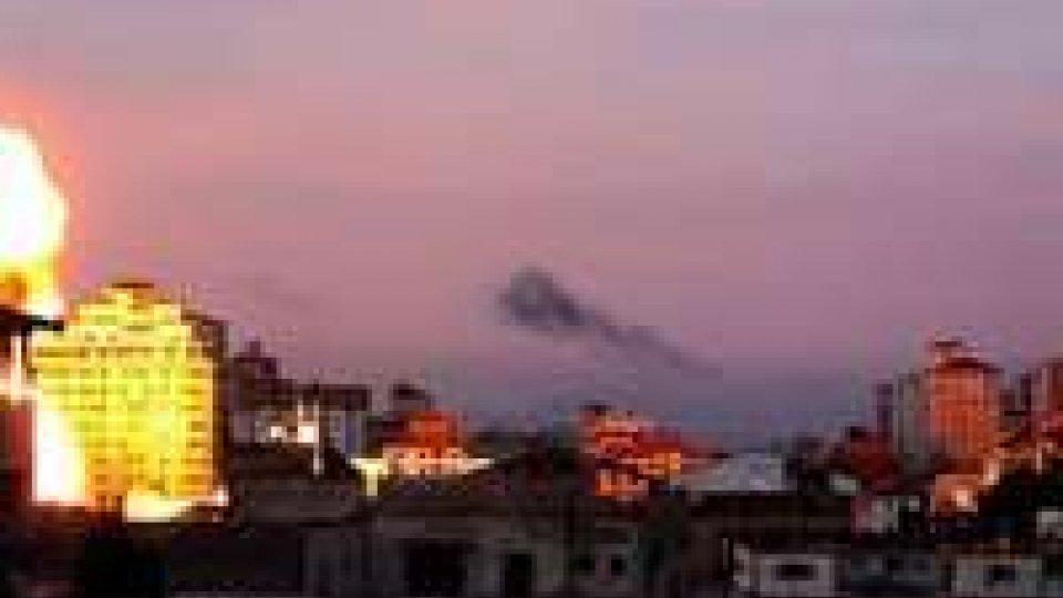 Raid israeliano distrugge l'ufficio del Premier di Hamas