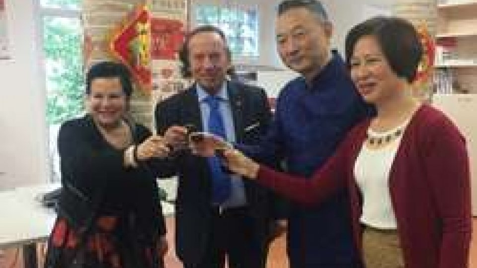 Charles Wang endocrinologo e specialista della medicina cinese in visita all'Istituto Confucio San Marino