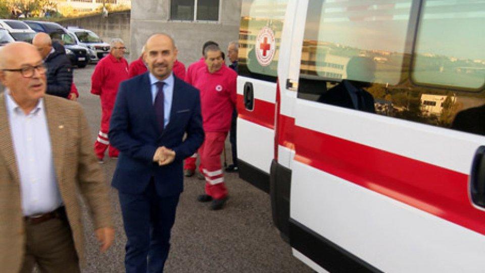 La consegna della nuova ambulanza