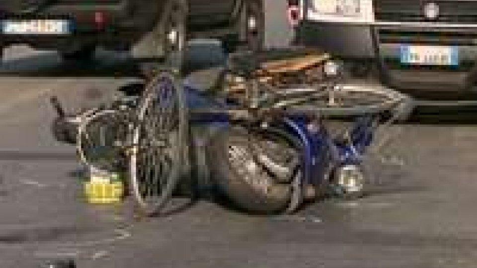 Incidente sulla Marecchiese: scooter investe ciclista