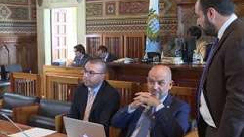 Simone Celli Marco Podeschi e Enrico CarattoniBanca Centrale continua a dividere la politica