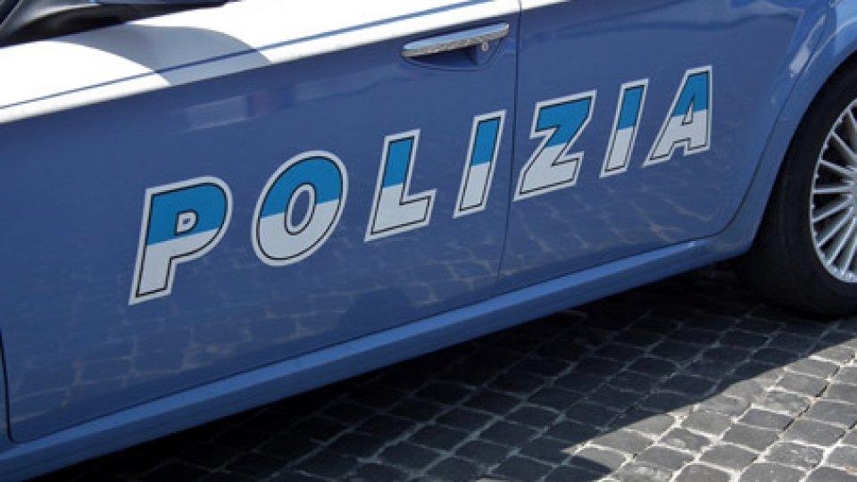 Rimini: prende di mira la moglie e gli amici di lei, marito arrestato per stalking