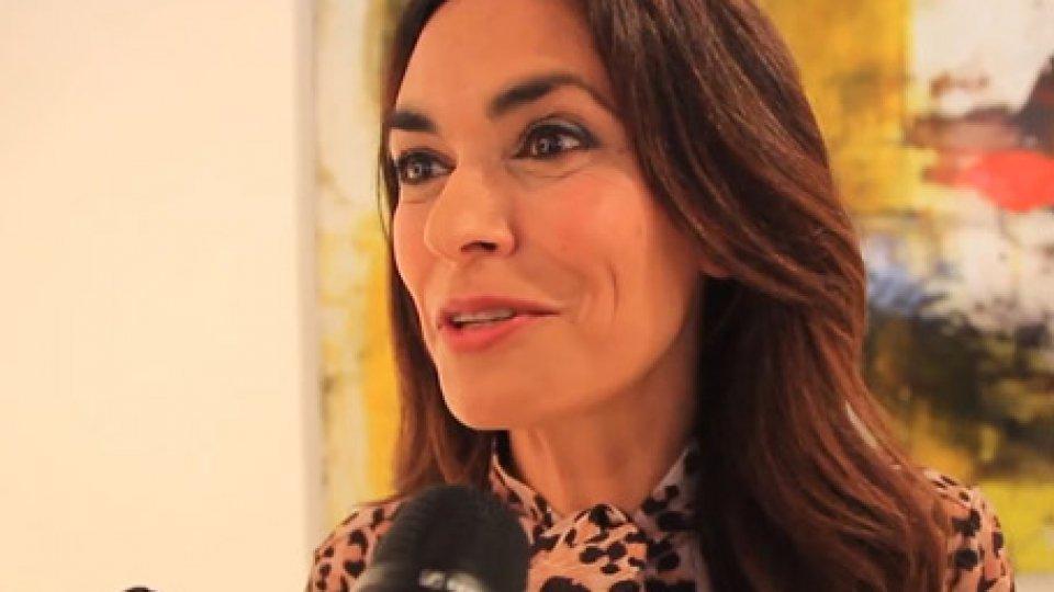 Maria Grazia CucinottaA suon di LISCIO romagnolissimo pure al cinema