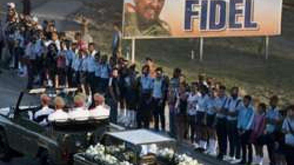 Castro: le ceneri a Santiago de Cuba, 'culla rivoluzione'. In migliaia per l'ultimo saluto