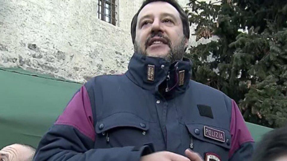 """Matteo SalviniDecreto sicurezza: sindaci sul piede di guerra. Categorico Salvini: """"La pacchia per qualcuno è finita. Si dimettano"""""""