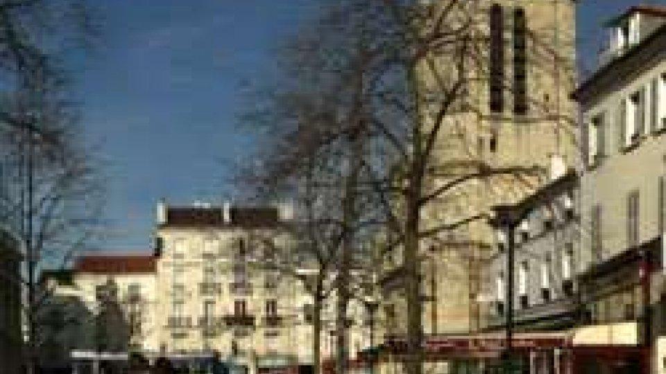 Francia, inneggia all'Isis e accoltella un maestro