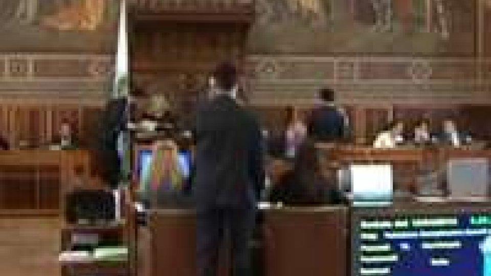 Consiglio: a rilento la votazione del decreto sviluppo. Si scalda l'aula sul comparto turistico