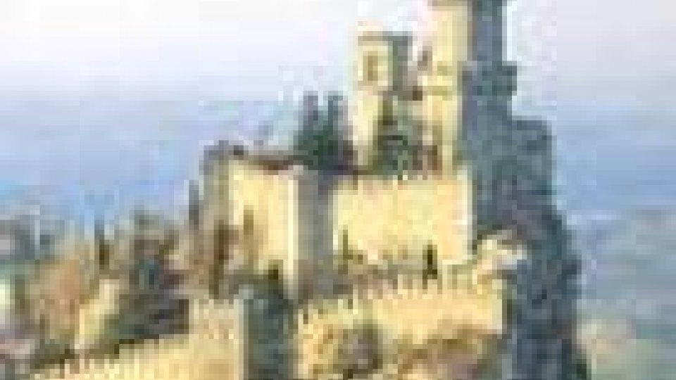 Calano i residenti nel Castello di Città