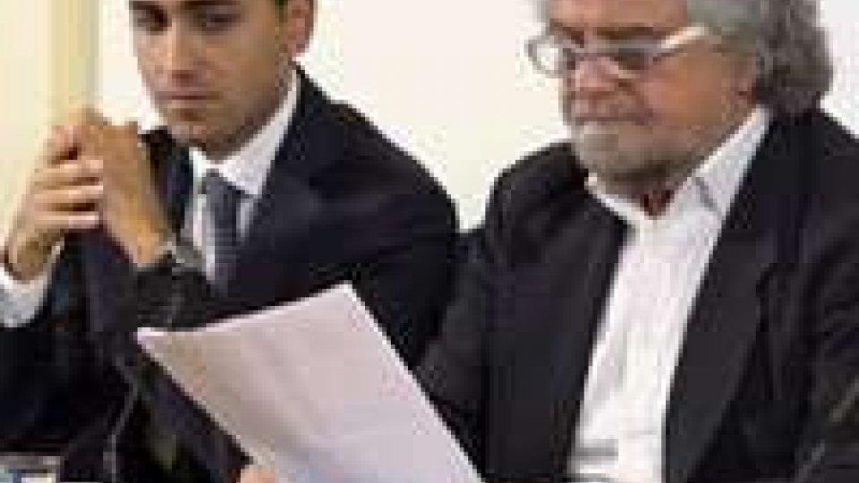 Beppe Grillo alla stampa estera promuove il suo referendum anti Euro, e torna su Mafia CapitaleBeppe Grillo alla stampa estera promuove il suo referendum anti Euro