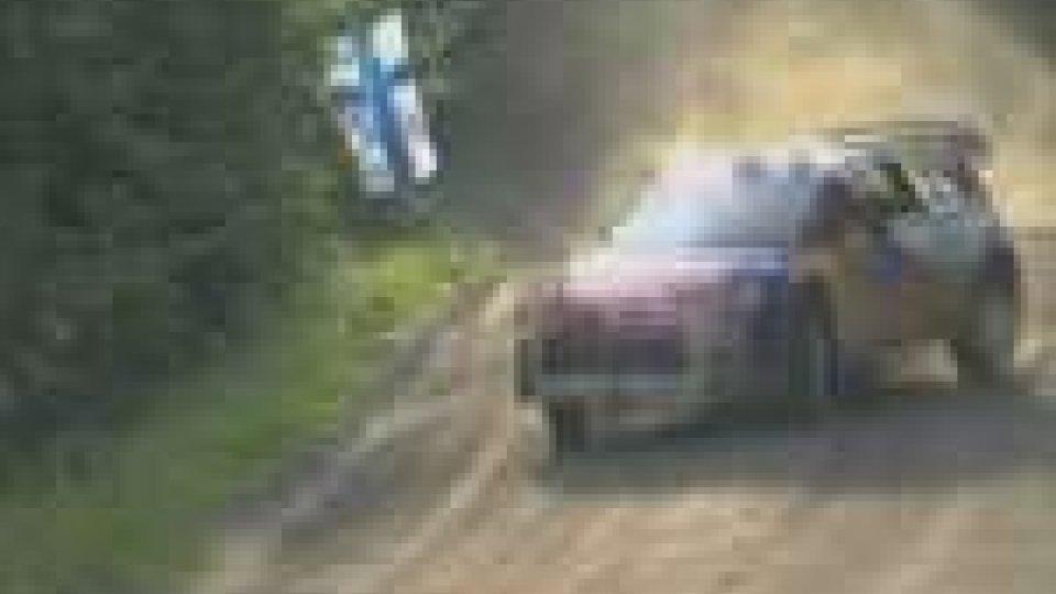 Rally di Finlandia, Solberg al comando. Raschi 39°